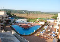 Sun City Resort - Baga - Piscina