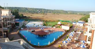 Sun City Resort - Baga - Pool