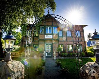 Butz - Scharbeutz - Building
