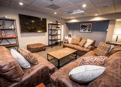 The Pine Lodge on Whitefish River Ascend Hotel Collection - Whitefish - Living room