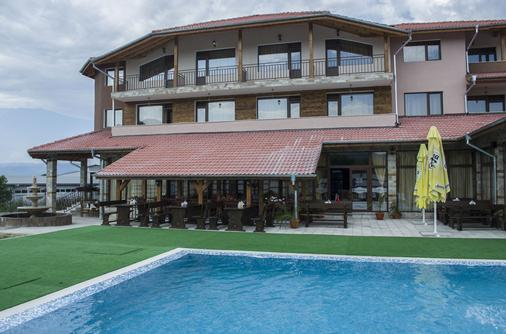 Maribel Spa Hotel - Koprivlen - Building