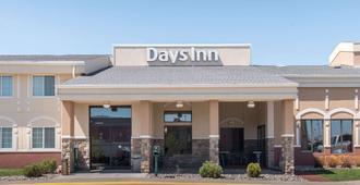 Days Inn by Wyndham Minot - מינוט