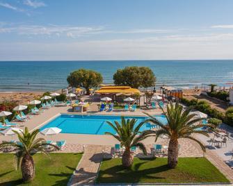 Sea Side Apartments - Stalos - Pool