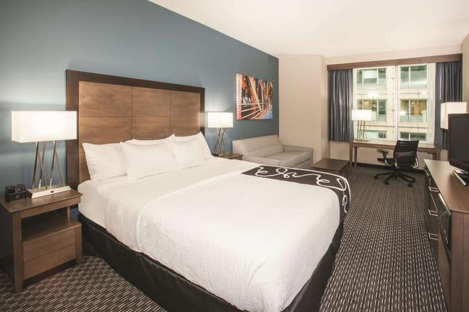 La Quinta Inn & Suites by Wyndham Chicago Downtown - Chicago - Camera da letto