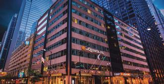 La Quinta Inn & Suites by Wyndham Chicago Downtown - Chicago - Building