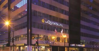 La Quinta Inn & Suites by Wyndham Chicago Downtown - Chicago - Toà nhà
