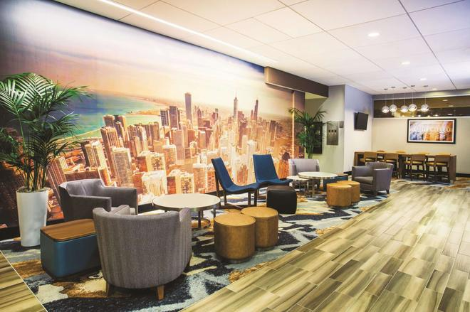 La Quinta Inn & Suites by Wyndham Chicago Downtown - Chicago - Area lounge
