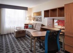 TownePlace Suites by Marriott Windsor - Windsor - Living room
