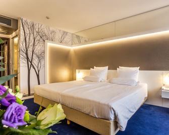 Grand Hotel Plovdiv - Plowdiw - Schlafzimmer