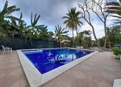 Hotel Rancho Argueta - San Luis Talpa - Pool