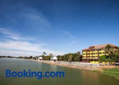 Amatara Hotel - Phimai - Building