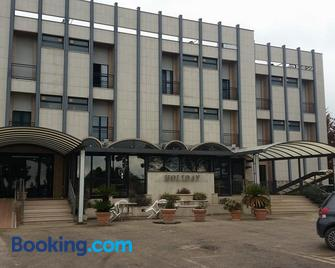 Hotel Holiday - Foggia - Building