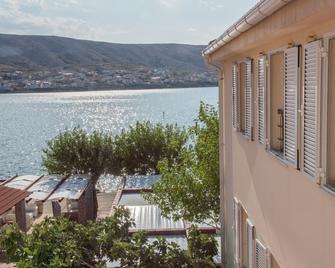 Hotel Smokva - Pag - Outdoors view