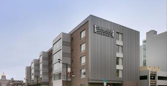 Staybridge Suites Des Moines Downtown - Des Moines - Building