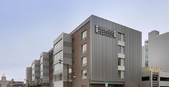 Staybridge Suites Des Moines Downtown - Ντε Μόιν