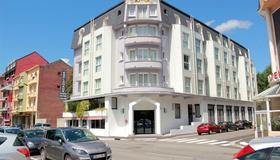 Hotel Esplanade Eden - Lourdes - Building