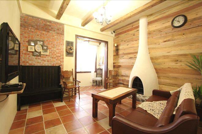 Antique's Home - Hengchun - Living room