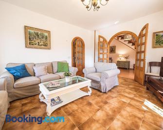 Casa De Piedra En Bunyola - Bunyola - Living room