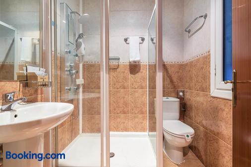 Pensión Ab Domini - San Sebastian - Bathroom