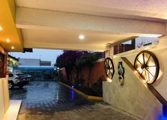 Hotel Del Rey - Apetatitlán Antonio Carbajal