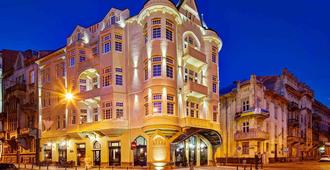 Atlas Deluxe - Lviv - Κτίριο