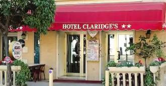 Claridge's - מאהטו - בניין