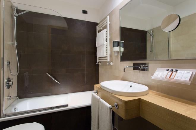 Best Western Hotel President - Rome - Bathroom