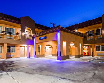 SureStay Hotel by Best Western South Gate - South Gate - Building
