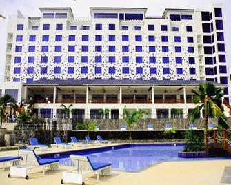 Best Western Plus Atlantic Hotel - Takoradi - Building