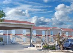 Super 8 Motel - Brandon - Brandon - Rakennus