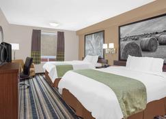 Super 8 Motel - Brandon - Brandon - Bedroom
