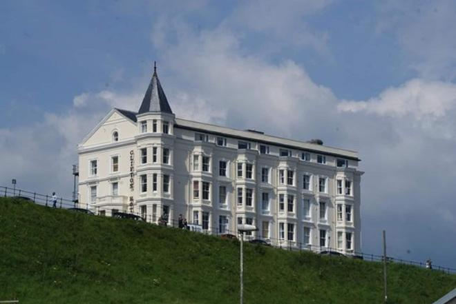 The Clifton Hotel - Scarborough - Building
