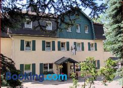 Zur Edlen Krone - Neuhausen - Edificio