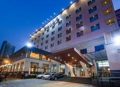 台南大飯店 - 台南 - 建築