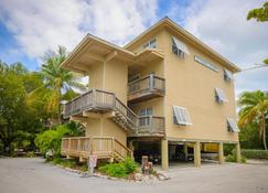 Coconut Mallory Resort And Marina By Kees Vacations - Key West - Rakennus