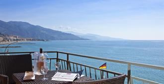 Best Western Plus Hotel Prince De Galles - מאהטו - מרפסת