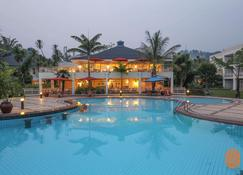Lake Kivu Serena Hotel - Gisenyi - Pool