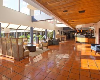 Shula's Hotel & Golf Club - Miami Lakes - Lobby