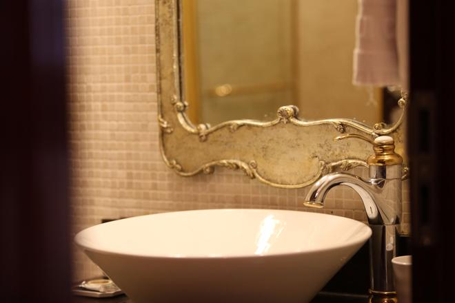 Hotel Artnouveau Seocho - Seoul - Bathroom