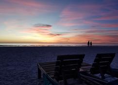 Carousel Inn On The Beach - Fort Myers Beach - Strand