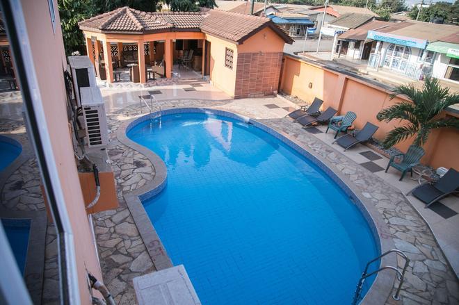 Tribeca Hotel - Accra - Uima-allas