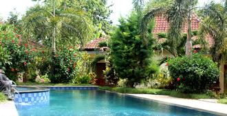 Kuta Cove Hotel - Кута Ломбок