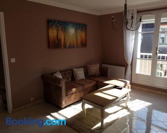 Magnifique T3 hyper centre ville Montargis - Монтаржі - Living room