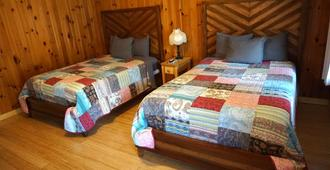 Marshall's Creek Rest Motel - גאטלינברג - חדר שינה