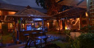 Puerto Pension - Puerto Princesa - Bar