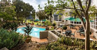 City Lodge Pinelands - Cape Town - Pool