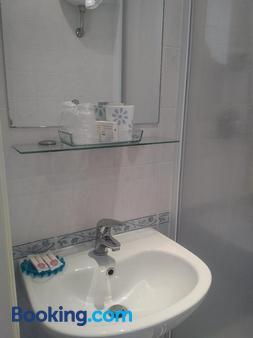Hotel Miraggio - Fregene - Bathroom