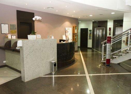 Comfort Suites Londrina - Londrina - Front desk
