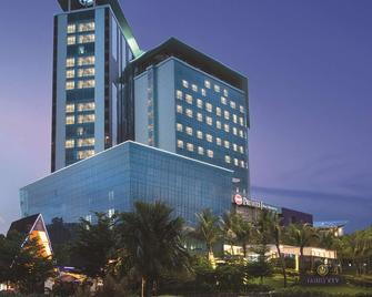 Best Western Premier Panbil - Batam - Building