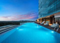 Best Western Premier Panbil - Batam - Pool
